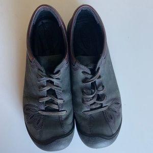KEEN Women's Lace-up Casual Shoes
